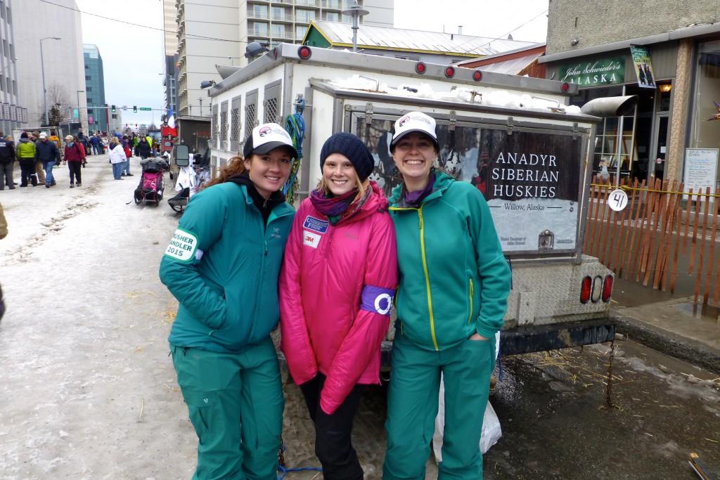 Lisbet und ihre Handler Crew in Türkis. Sarah und ich haben die gleiche Lieblingsfarbe - so konnten wir uns aus unserem Fundus ein einheitliches Outfit zusammenstellen - fancy!